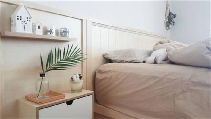 床头柜上摆放什么东西最好?放置什么东西床头柜可以提升颜值?
